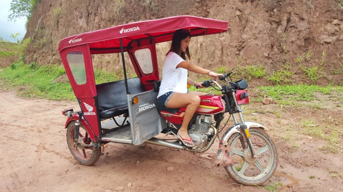 Ale y la Mototaxi.